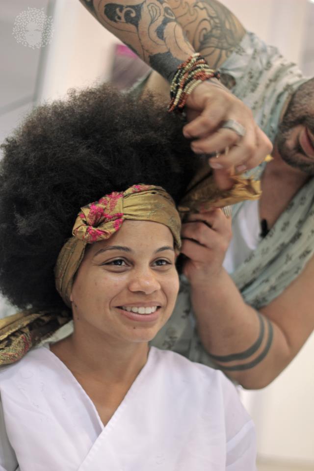 Cheveux crépus et conscience noire des femmes Afro du Brésil