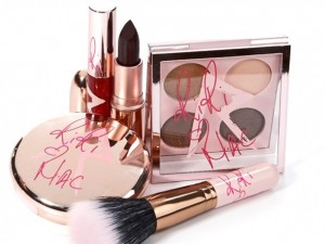 MAC-Rihanna-Collection-Riri-Hearts-MAC