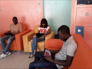 tablet cafe dakar