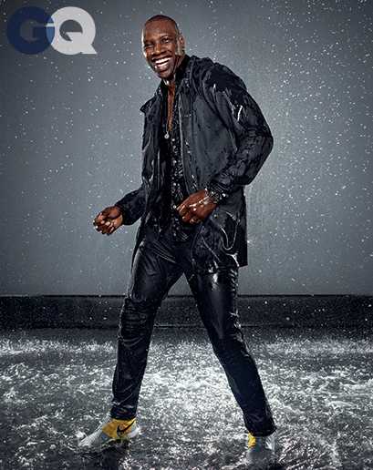 omar-sy-gq-raincoat-gq-magazine-may-2014-fashion-style-men-weather-01