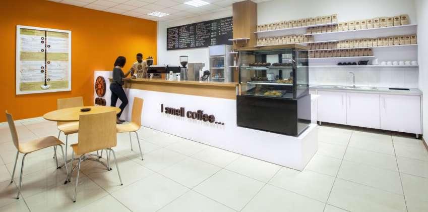 Nigeria-la-chaine-de-cafe-Neo-image-afrokanlife-en-Starbucks-africain