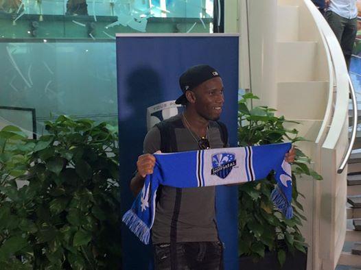 L'arrivée à de Didier Drogba déchaine Montréal à l'aéroport
