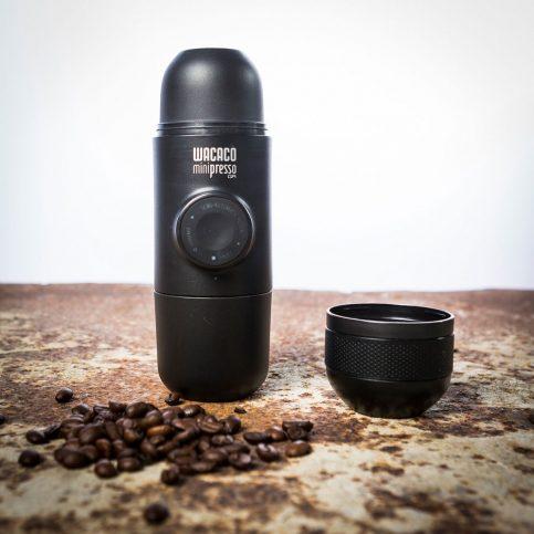 minipresso-la-machine-a-expresso-la-plus-compacte-au-monde-b87