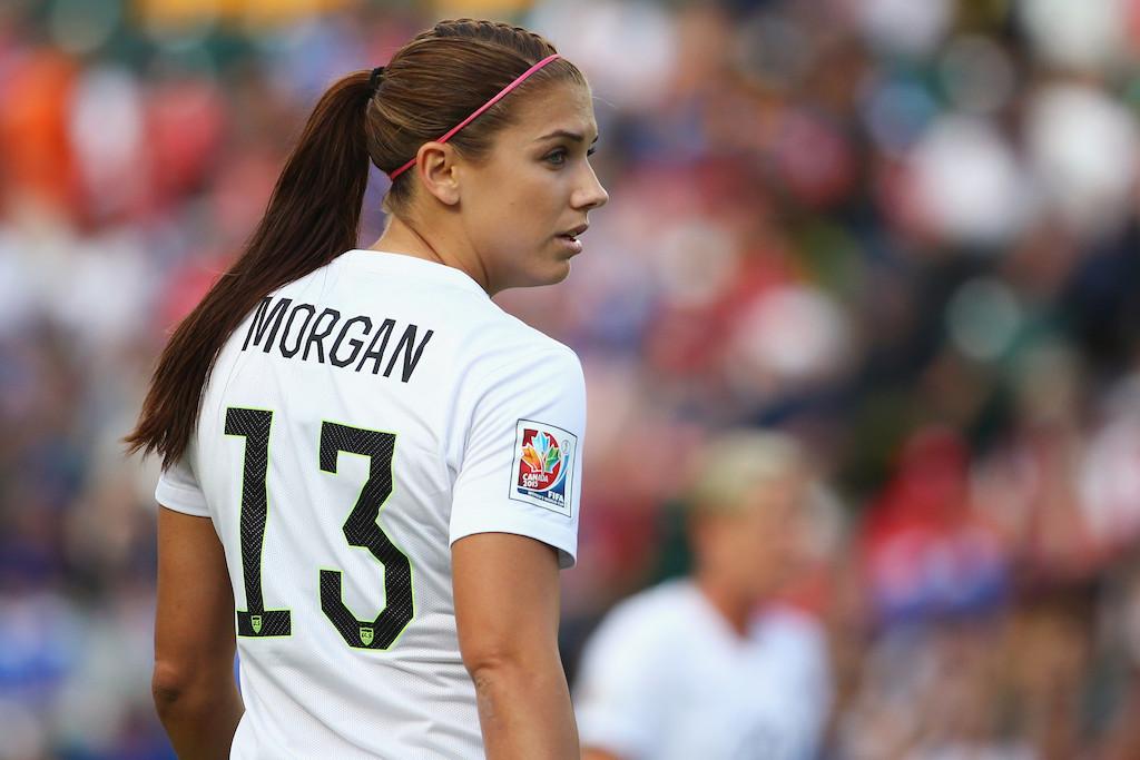 """Résultat de recherche d'images pour """"En football Alex Morgan"""""""