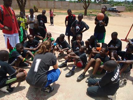 image Découvrez ABaCoDe, un projet de développement du basketball en Ouganda