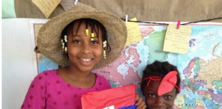 Mwen se ayisyien, Sa se Ayiti... Je suis haïtien, ca c'est Haïti... I am Haïtian... This is Haïti