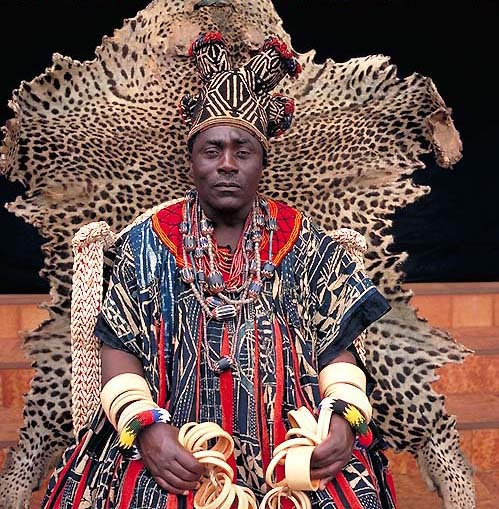 The Kings of Africa : 18 Fascinating Portraits by Daniel Laine