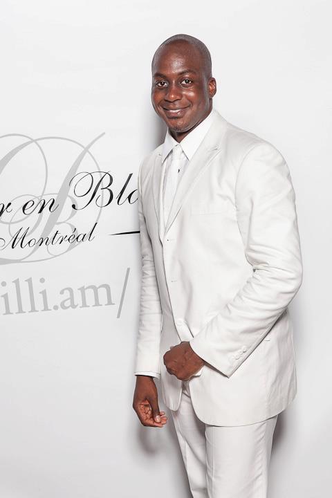 """Le """"Dîner en Blanc"""" s'installe à Abidjan pour sa grande première en Afrique de l'Ouest."""