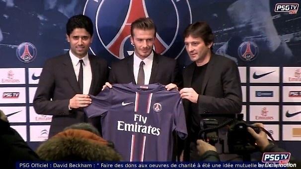 David Bekcham signe au Paris-Saint-Germain