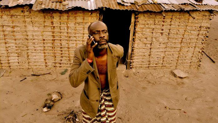 Le spot Télé d'elikia, le premier smartphone conçu en Afrique 5