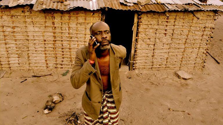 Elikia, le premier smartphone conçu en Afrique