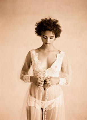 Munaluchi-Bride-Magazine-Spring-2013-Issue-Boudoir-Shoot-January-2013-007-439x600
