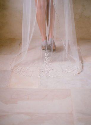 Munaluchi-Bride-Magazine-Spring-2013-Issue-Boudoir-Shoot-January-2013-009-439x600