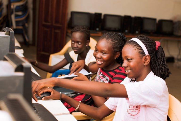 Le futur de l'éducation en Afrique : le cloud, le mobile et les REL