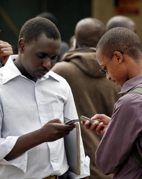 Les fonctionnaires en RDC seront désormais payés par SMS !