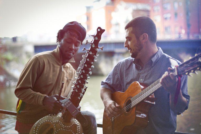 Projecteur sur Joe Driscoll et Sekou Kouyaté, le duo guinéo-américain