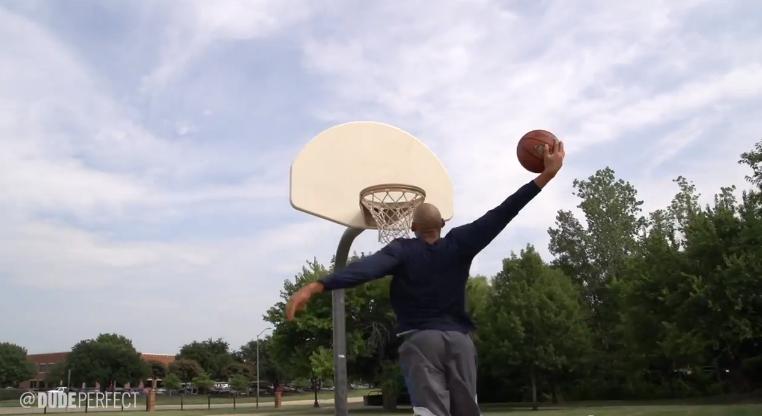Les plus gros clichés sur les basketteurs de rue par Dude Perfect