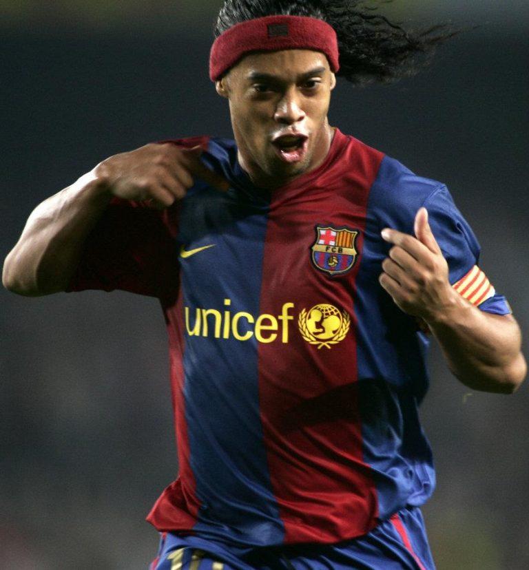 Quand le FC Barcelona rend hommage à Ronnie!