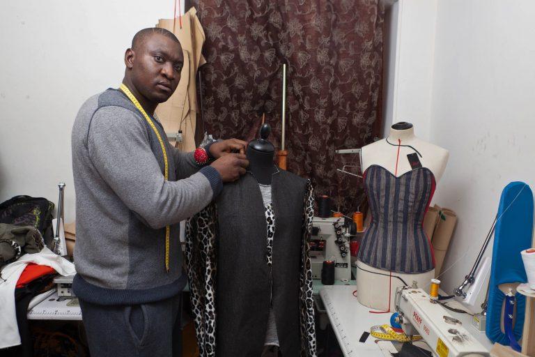 Afro Inspiration : Joseph Ayissi fondateur de Couture Wazal Paris