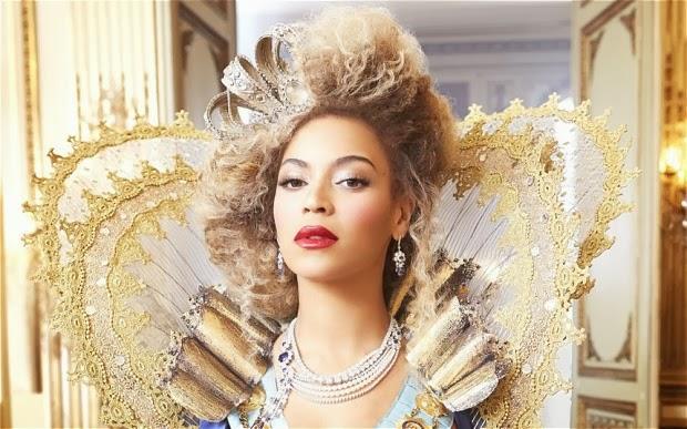 """Beyonce, la reine des abeilles: Partie 1 """" Self-Titled """" documentaire sur l'album visuel."""