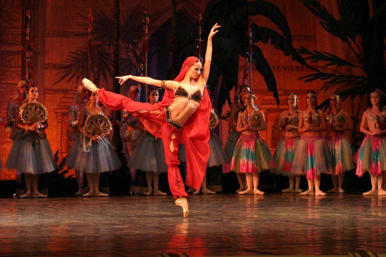 Le ballet national d'Ukraine présente la Bayadère