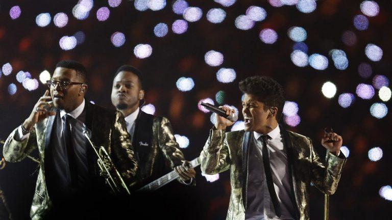 Super Bowl 2014 : La performance de Bruno Mars en vidéo