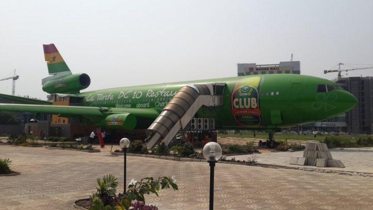 Green Plane : Un avion transformé en restaurant au Ghana
