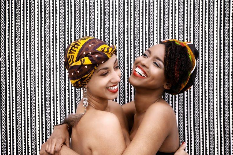 Les turbans afro de Paola Mathe pour célèbrer les femmes fortes