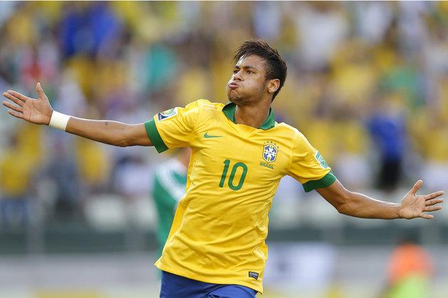 Neymar a l'occasion de grimper sur le toit du monde