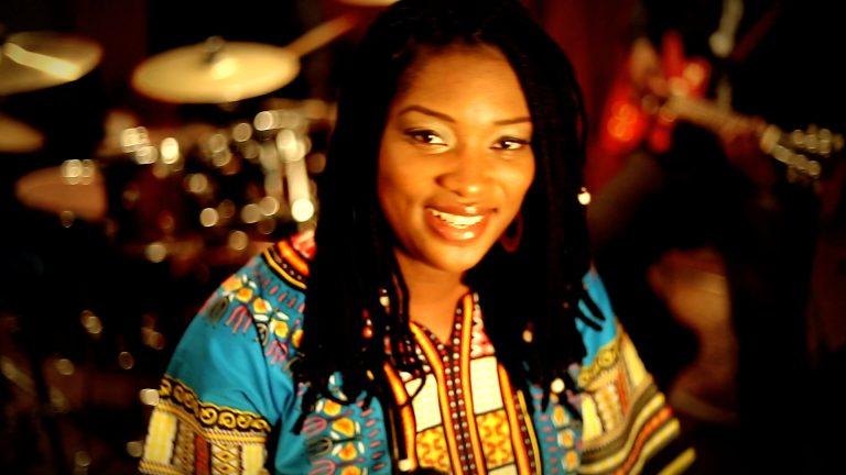 Veeby dévoile le clip de Manguè en langue bassa du Cameroun