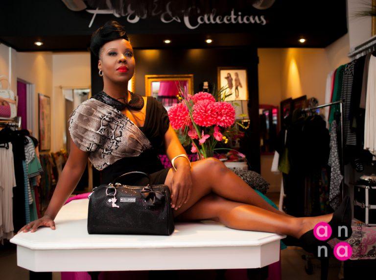 L'humoriste Dorothy Rhau attire les regards de l'industrie des cosmétiques et de la mode « MADE IN QUÉBEC »!