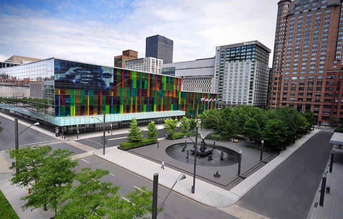 Centre de congrès et d'exposition à Montréal _Place_Riopelle_PalaisMtl