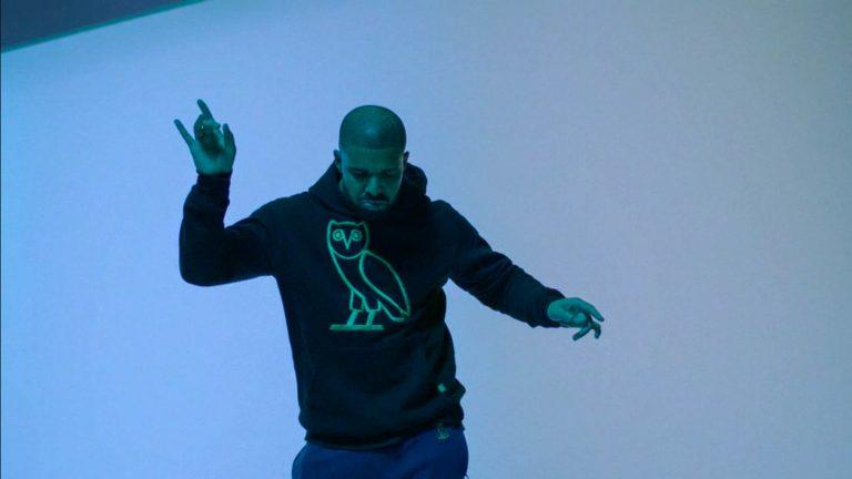 Hotline Bling de Drake : Un bijou en matière de communication par Mas Aymard Kina