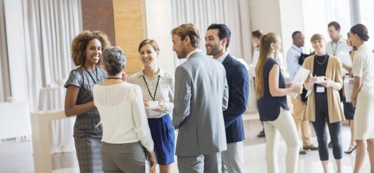 Comment démarrer la conversation à un évènement de réseautage ?
