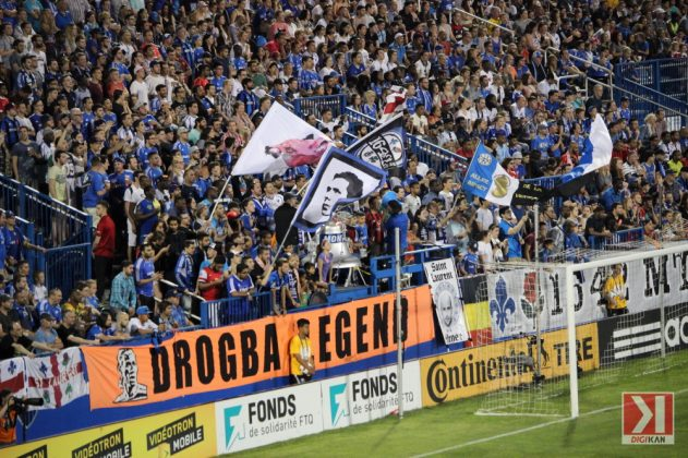 Montreal_Galaxy_Drogba_5