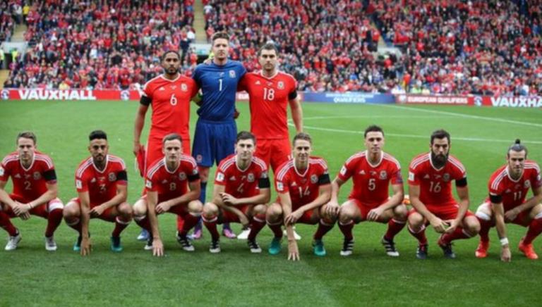 Les étranges photos d'équipe du Pays de Galles.
