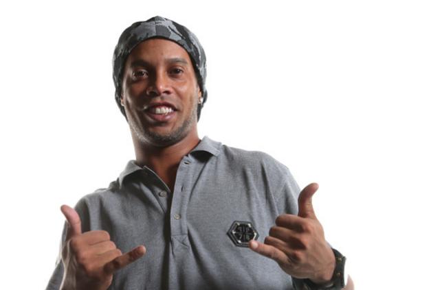Ronaldinho pourrait prochainement rechausser les crampons au Brésil