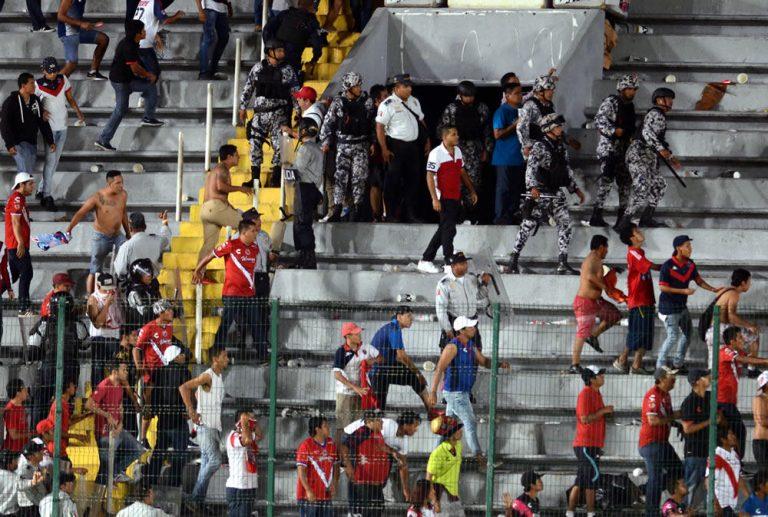 Mexique : Affrontements violents en marge d'un match de championnat